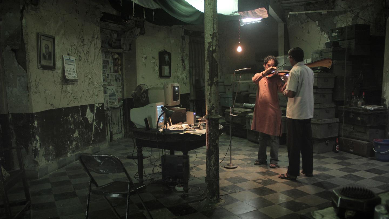 The-Violin-Player_header